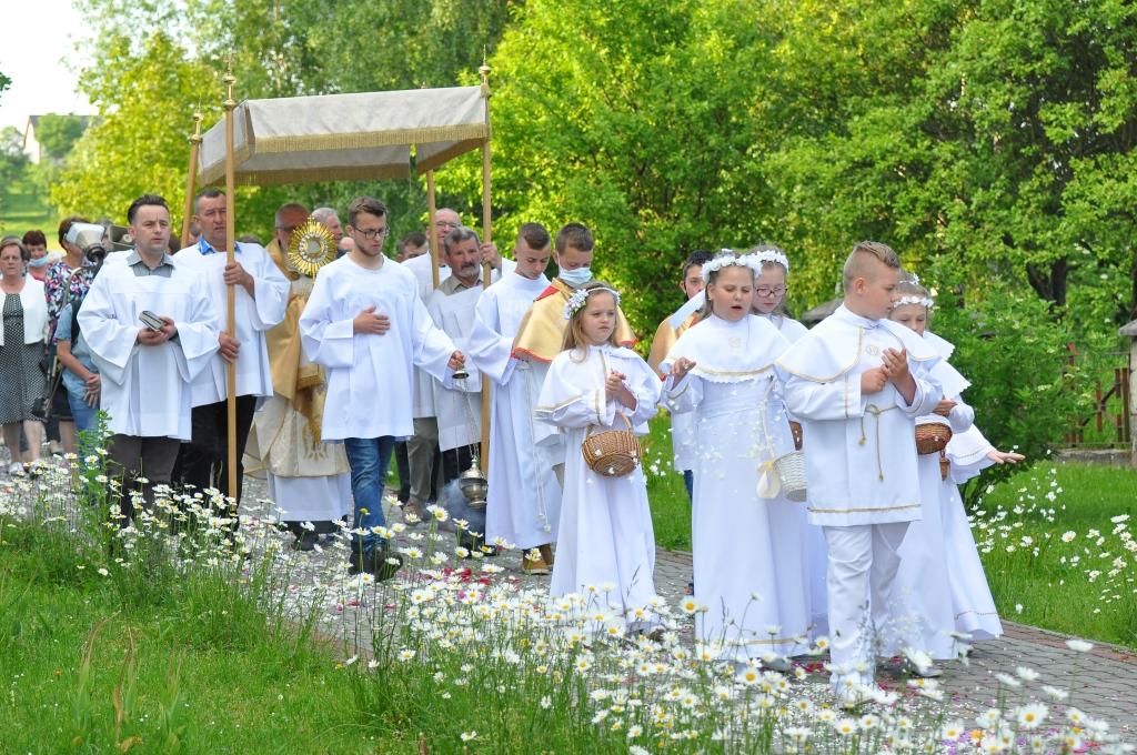 Zakończenie Oktawy Bożego Ciała, błogosławieństwo dzieci oraz poświęcenie wianków