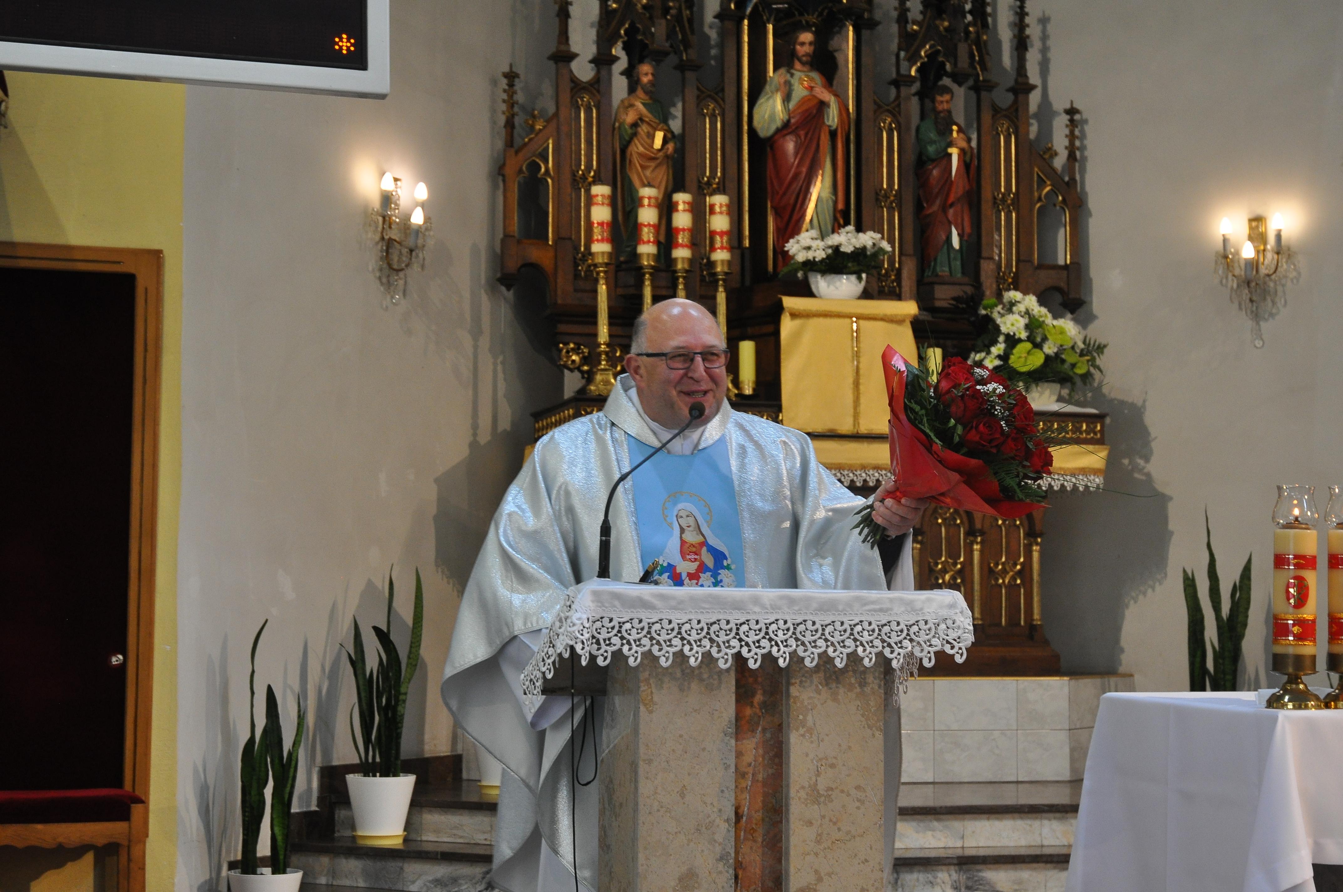 Msza Św. z kazaniem misyjnym oraz podziękowanie misjonarzowi, Ojcu Ireneuszowi Homoncikowi