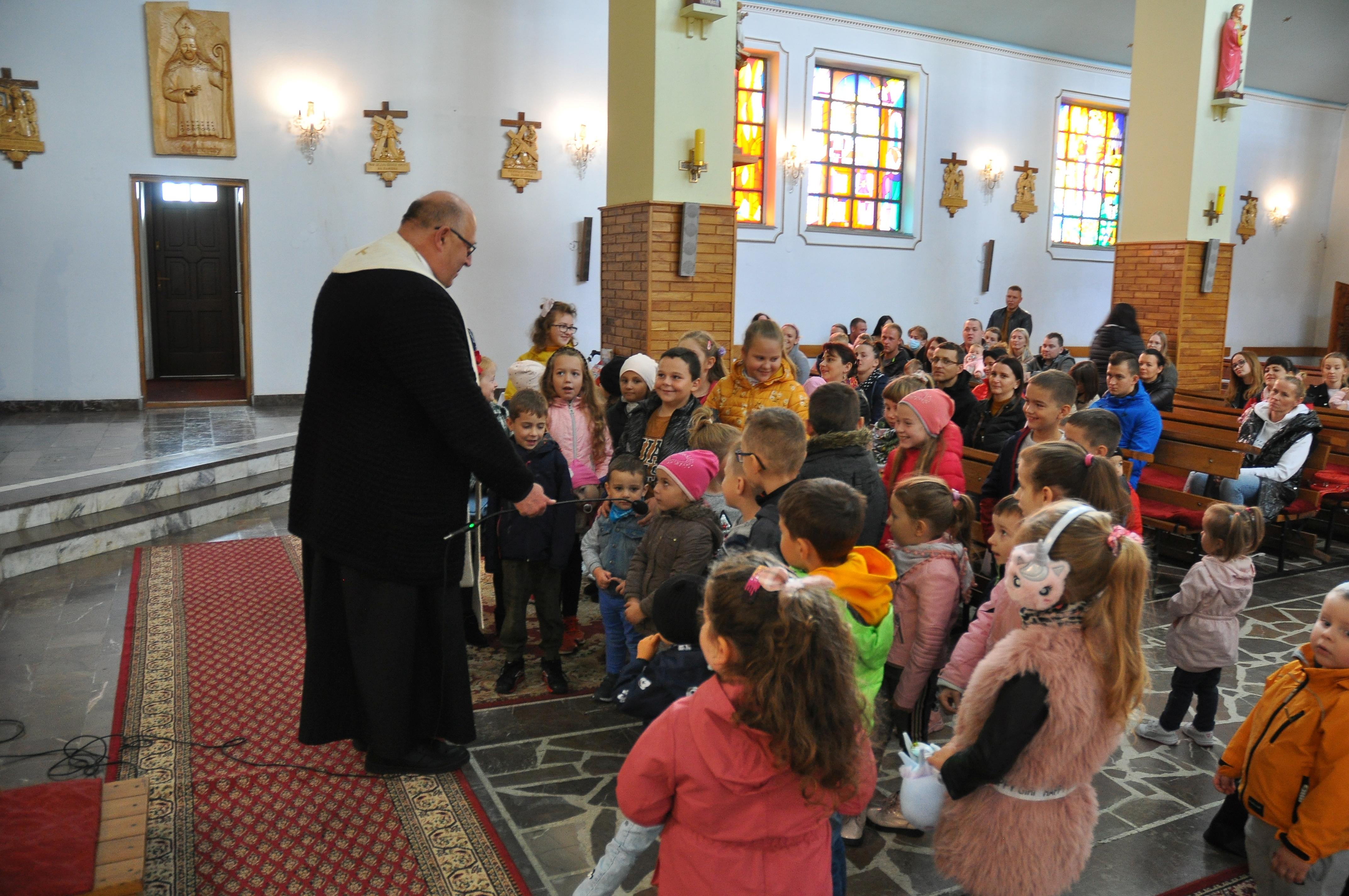 """""""Oto Matka Twoja…"""" Misyjna uroczystość dla dzieci oraz Nabożeństwo Fatimskie"""